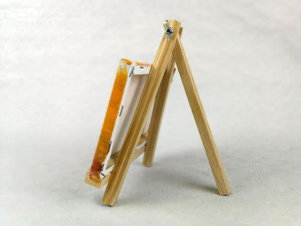 Easel in miniature
